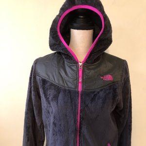 Jackets & Blazers - Northface hoodie ear warmer and gloves